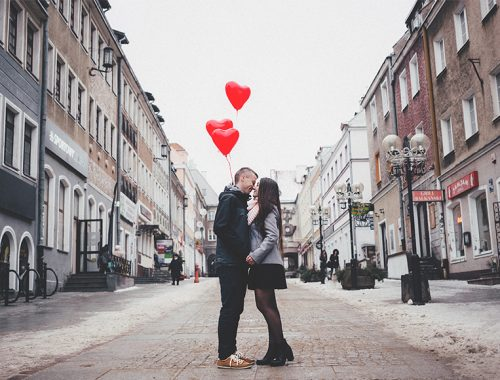 Where to take romantic pictures for Valentine's day