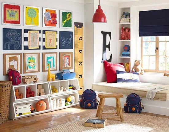 easy DIY wall decor ideas - kids art gallery wall