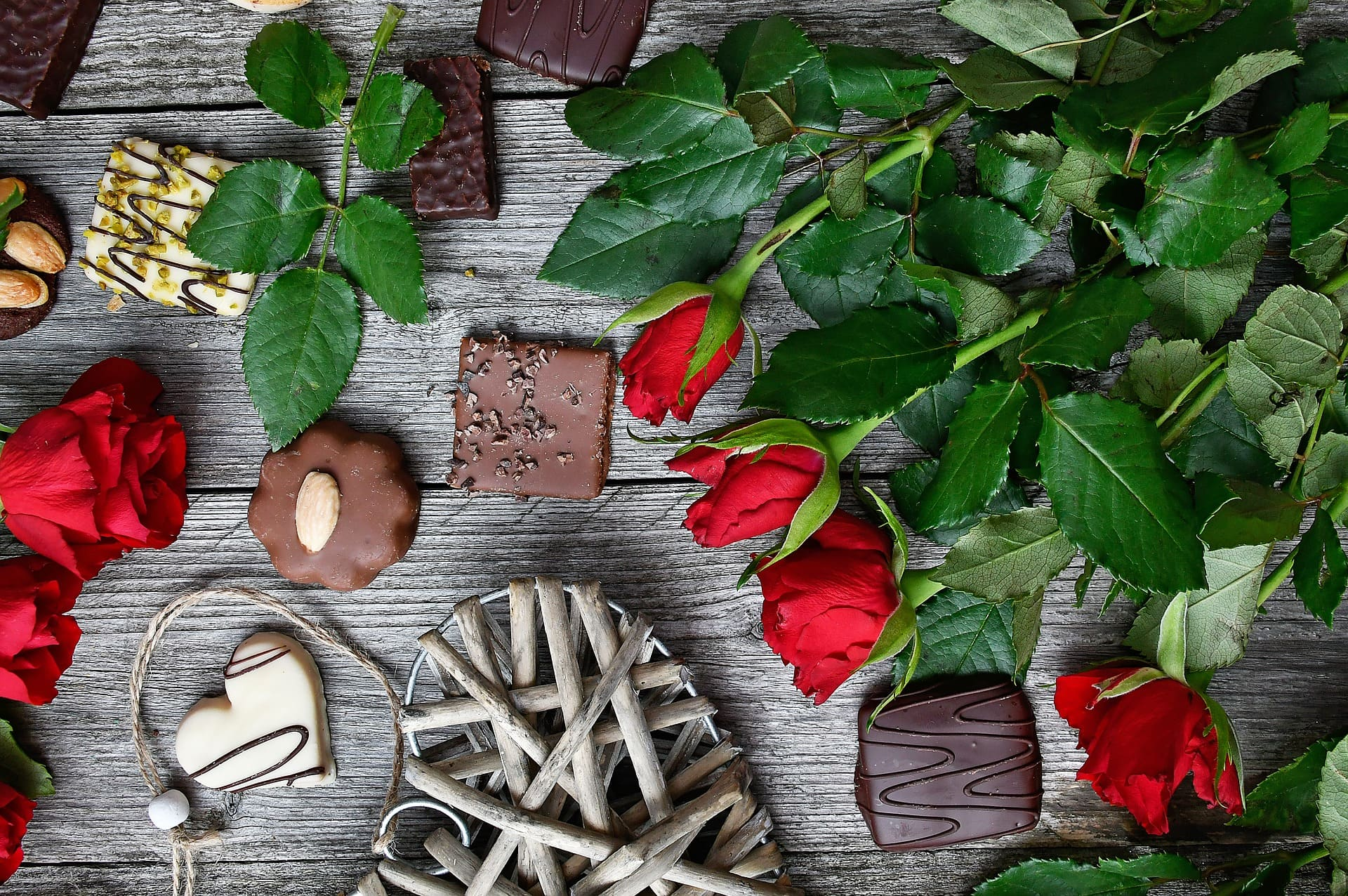 Flowers and sweet gift ideas