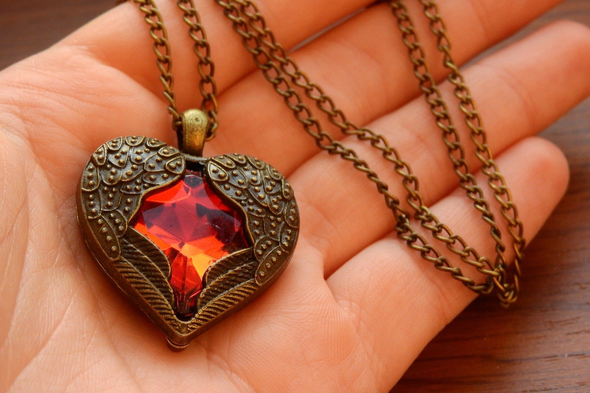 Valentine gift of jewellery