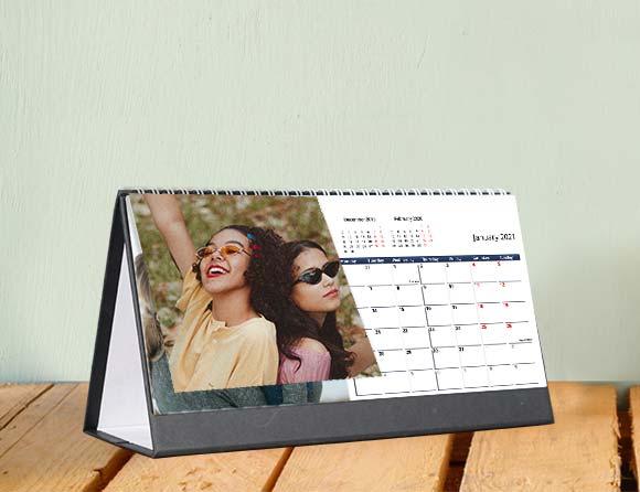 present a desk photo calendars